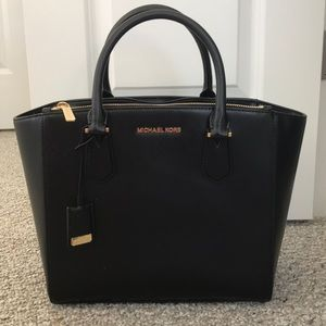 Michael Kors Carolyn large tote  SALE TODAY ONLY